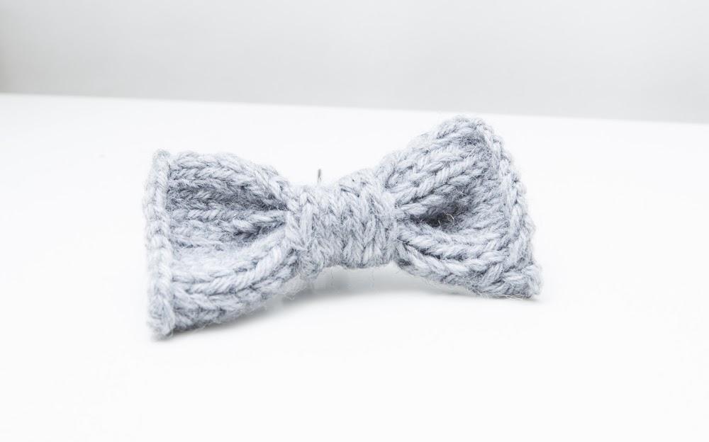 Mini-DIY : le nœud à cheveux tricoté