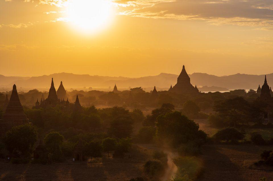 Bagan, entre pluie et lumières magnifiques