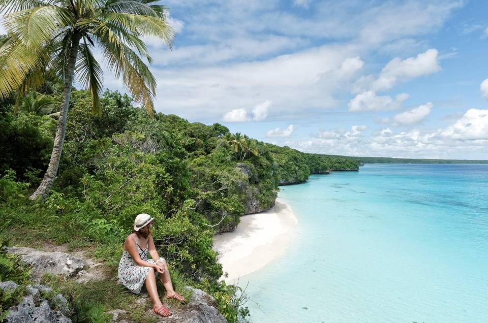 Lifou : Entre plages et falaises